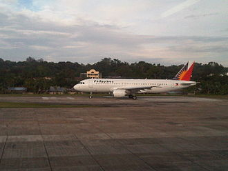 Tagbilaran Airport - Image: A Philippine Airlines A320 214 ready for takeoff at Bohol's Tagbilaran Airport