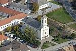 A devecseri Páduai Szent Antal templom légi fotója.jpg