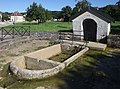 Adam-les-Vercel, fontaine - img 44411.jpg