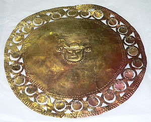 Sican culture - Gold disc ornament