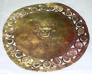 Sican culture - Gold disc ornament