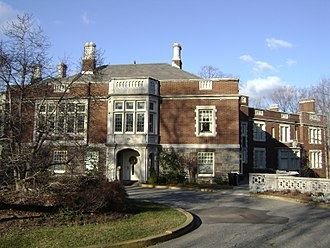Wayne, New Jersey - Hobart Manor at William Paterson University in Wayne