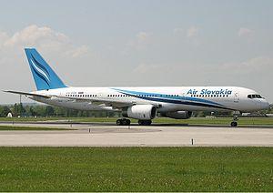 Air Slovakia Boeing 757 Lebeda.jpg