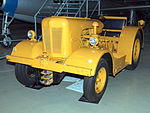Airfield tracktor at Soesterberg pic2.JPG