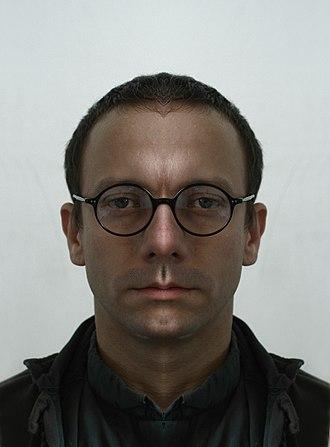 Facial symmetry - Image: Alex Dodge 2012 right