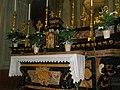 Altare della parrocchia.jpg