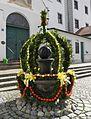 Altomünster-Osterdeko vor der Klosterkirche.jpg