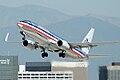 American Airlines.Boeing 737-800.LAX.2007.jpg