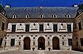 Ancy-le-Franc Château d'Ancy-le-Franc Cour d'Honneur 3.jpg
