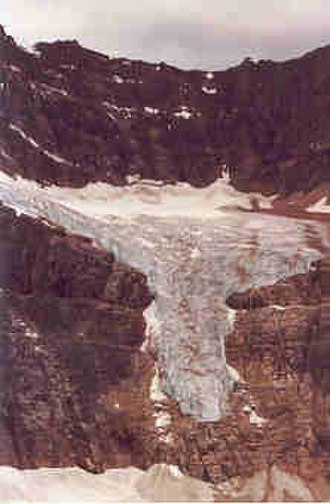 Mount Edith Cavell - Image: Angel Glacier