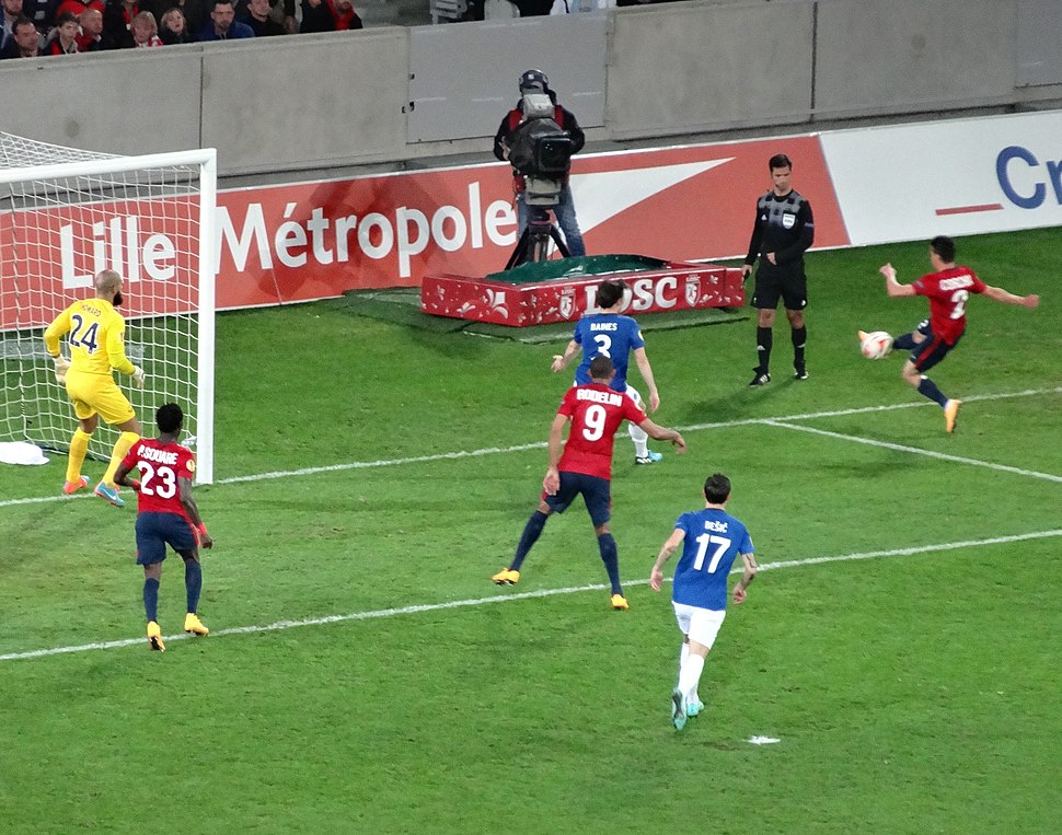 Arbitre de surface Lille - Everton