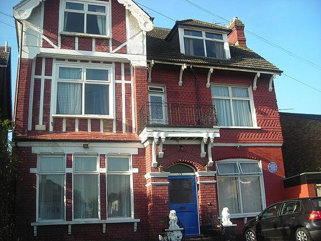 Дом Конан Дойла в Южном Норвуде (Лондон)