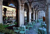 Ascoli Caffè Meletti Archi.jpg