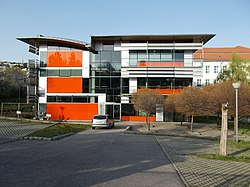 Austrian-Hungarian European School. Orbánhegyi Road side. New wing. - Orbánhegy, Budapest.JPG