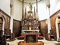 Autel et retable de l'église.jpg
