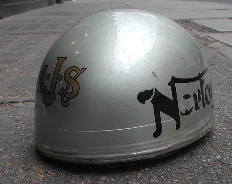File:Aviakit Pudding basin helmet.jpg