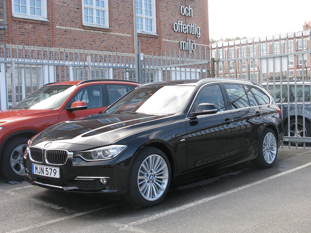 file bmw 320d touring f31 13856328124 jpg wikimedia commons. Black Bedroom Furniture Sets. Home Design Ideas