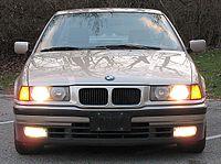 BMW E36 325i 1993 front.jpg