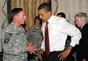 Gen. David H. Petraeus chats with Sen. Barack ...