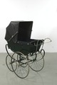 Barnvagn, snett bakifrån m sufflett - Livrustkammaren - 82396.tif