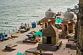 Beautiful bathing ghat at Narmada river, Maheshwar Fort.jpg
