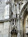 Beauvais (60), église Notre-Dame de Marissel, portail occidental, dais de la niche à statue à gauche.jpg
