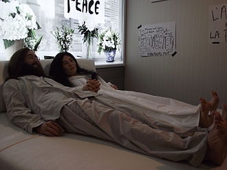 Bed-In - Wax figures of the Lennon's Montreal Bed-in at Musée Grévin Montreal