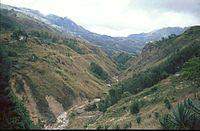 Berglandschaft auf dem Weg nach Suai.jpg