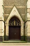 Bettrath, Kath. Kirche Herz Jesu, Turmeingang.JPG