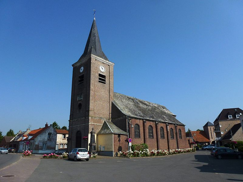Beuvry-la-Forêt (Nord, Fr) église, extérieur