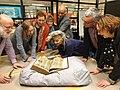 Bezoek Wikicafe Tilburg aan de Koninklijke Bibliotheek, Spiegel Historiael van Jacob van Maerlant, 18 december 2019.jpg