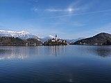 Blejsko jezero (Lake Bled in autumn).jpg