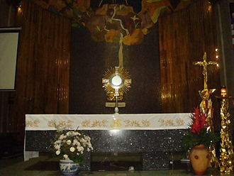Blessed Sacrament - The Blessed Sacrament exposed on the main altar of Sta. Cruz Church, Manila