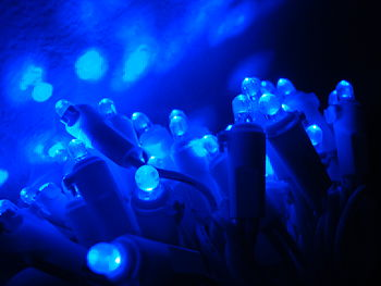 English: Blue LED Christmas lamps and reflecti...