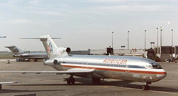 Boeing 727-223 of American Airlines at Chicago...