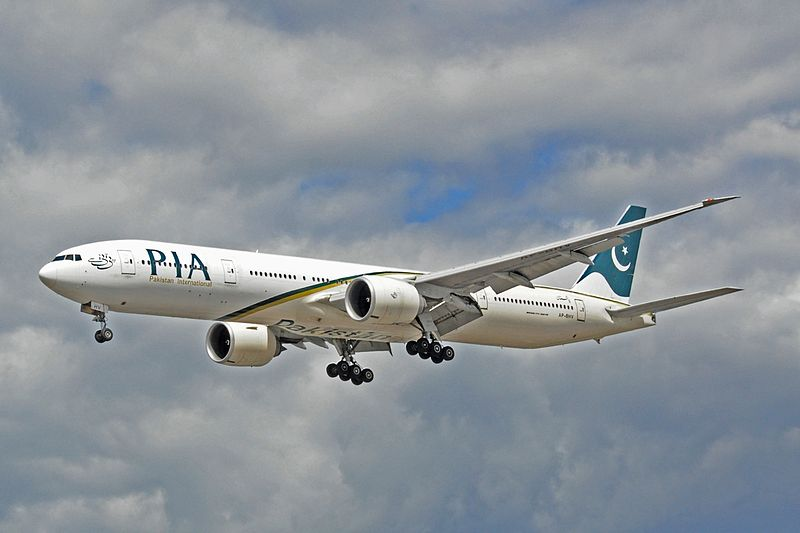 Boeing 777-340ER - Pakistan International Airlines (AP-BHV).jpg