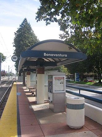 Bonaventura station - Bonaventura Station platform, 2012
