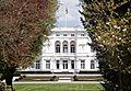 Bonn-Gronau Adenauerallee 135 Villa Hammerschmidt Standarte.JPG