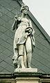 Bratislava skulptura na budove VSVU12bc.jpg