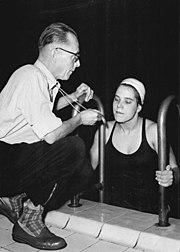 Bundesarchiv Bild 183-42449-0005, Eva-Maria ten Elsen beim Training