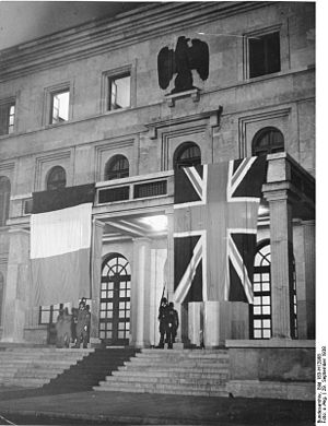 Hochschule für Musik und Theater München - Facade of the building at the time of the Munich Agreement, in September 1938.