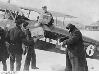 Johannisthal Air Field - Delivery of air mail, 1919