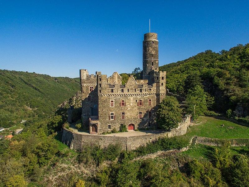 File:Burg Maus Bild 1.jpg