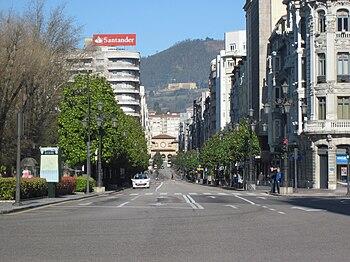 Calle de Ur%C3%ADa en Oviedo%2C Principado de Asturias%2C Espa%C3%B1a