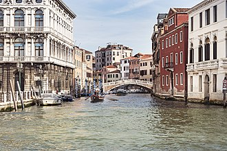 Cannaregio - The Cannaregio Canal, the main artery of Cannaregio, seen from the Grand Canal.