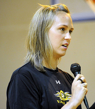 Carly Piper - Piper speaking to U.S. troops in 2010