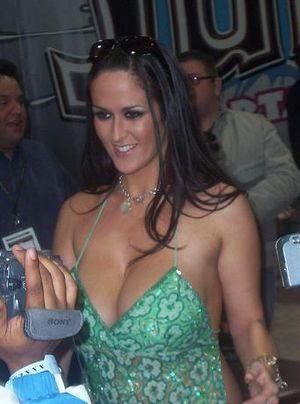 Carmella Bing Nude Estrella Porno Buscar Resultados