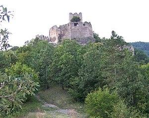 Čabraď Castle - Čabraď Castle, front view