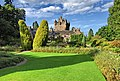 Cawdor castle2.jpg