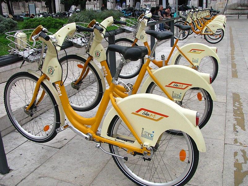 Bike sharing - Photo credit: bogdan1971